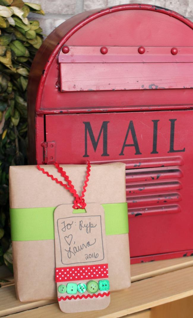 Darling DIY Holiday Gift Tag