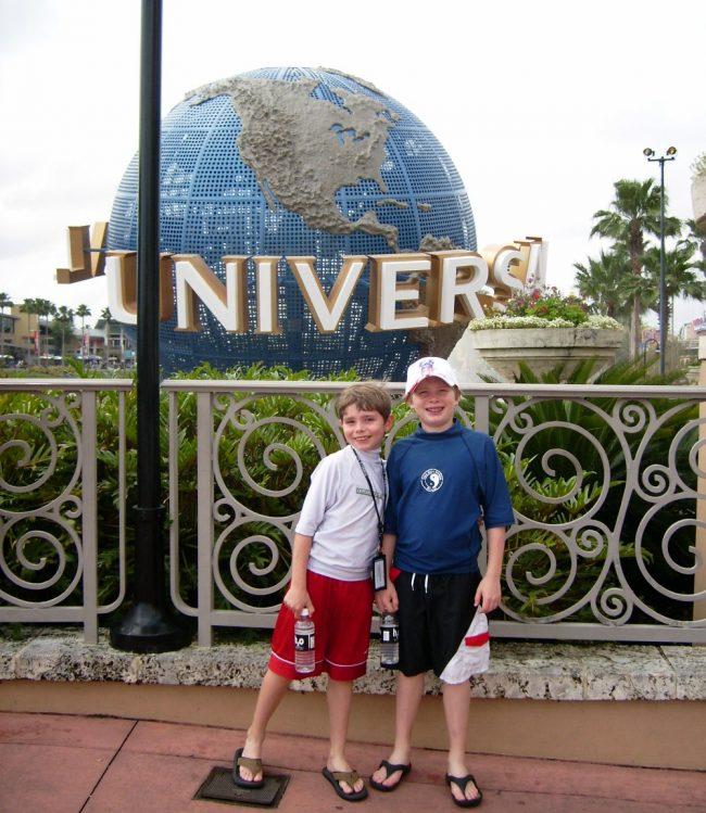 Universal 2005