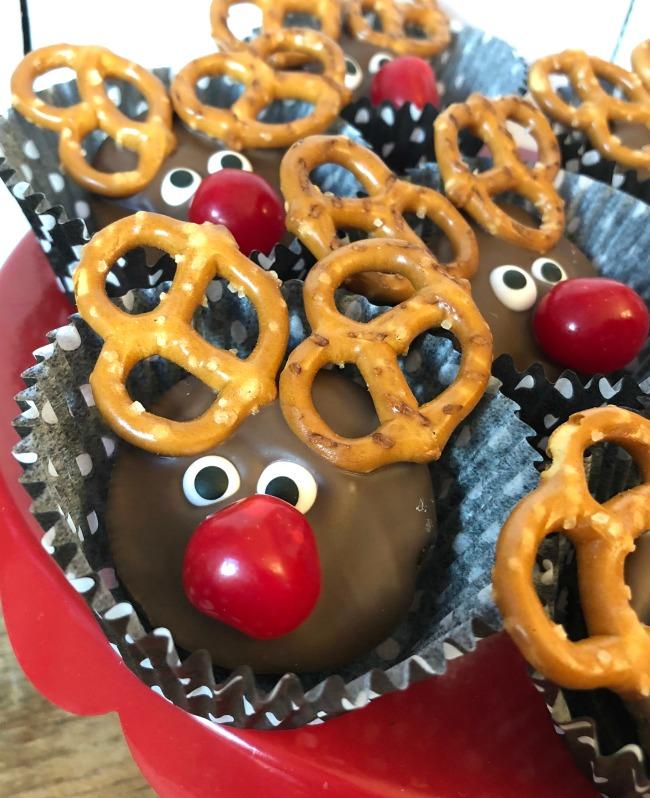 Oreo Reindeer Cookies Close Up