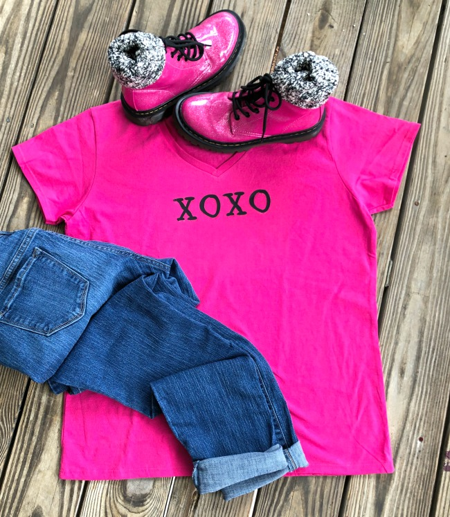 Cricut XOXO Iron On Tee